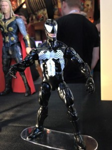 Marvel-Legends-Spider-Man-Venom-Classic-Figure-SDCC-2015